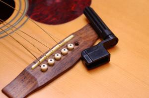 Un enrouleur de corde est nécessaire pour retirer les corde, il dispose d'une encoche aidant grandement